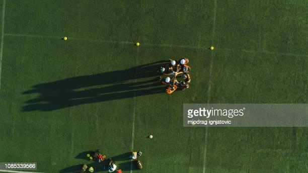 American football team at field