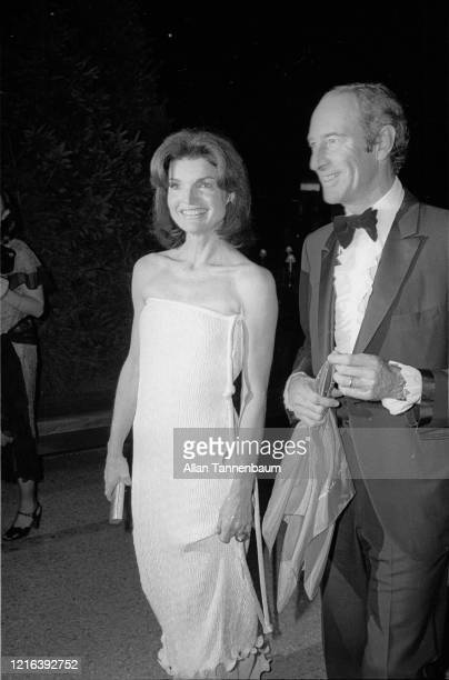 American former First Lady Jacqueline Kennedy and museum curator and director Thomas Hoving attend the Glory of Russian Costume Exhibition held in...