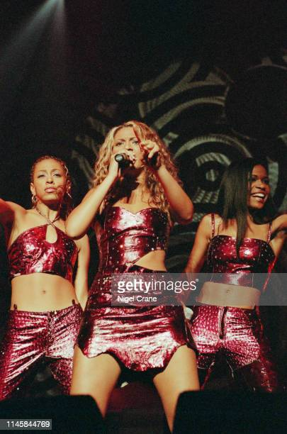 American girl group Destiny's Child performing at the London Arena, 18th November 2000. The performance featured Solange Knowles, younger sister of...