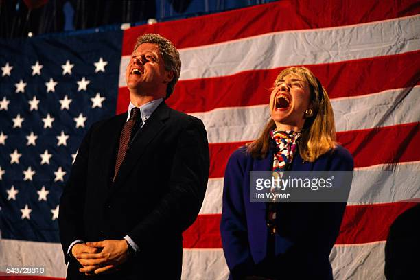 American Governor of Arkansas and Democratic candidate to the presidency Bill Clinton and his wife Hillary campaigning in New Hampshire