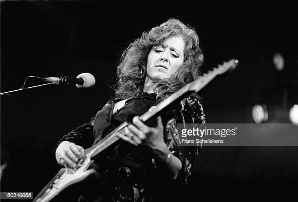 American guitarist Bonnie Raitt performs live on stage at the Paradiso in Amsterdam, Netherlands on 16th April 1989.