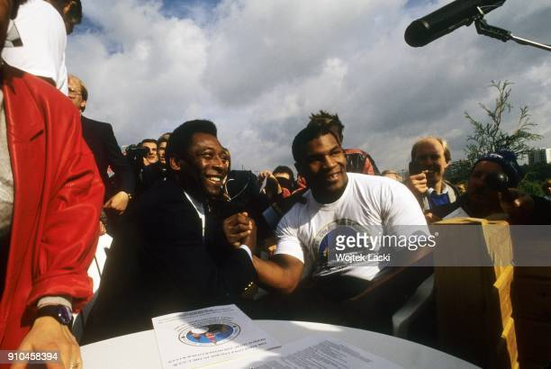 American heavyweight boxer Mike Tyson and Brasilian footballer Pele visited Moscow to participate in the opening of the first in USSR golf club and...