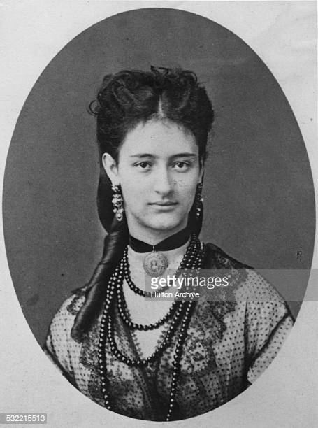 American heiress and socialite Anna de Castellane circa 1895 The daughter of American railroad magnate and financier Jay Gould she married French...