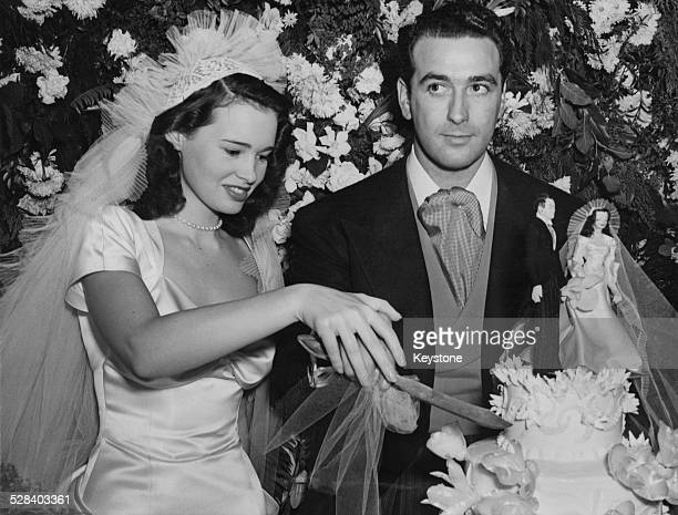 78 Gloria Vanderbilt Fashion Designer Photos And Premium High Res Pictures Getty Images