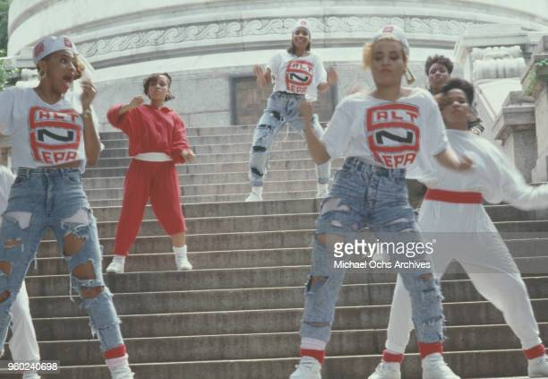 American hiphop trio SaltNPepa and friends dancing on the steps of the Soldiers' and Sailors' Monument during the video shoot for their single 'Shake...