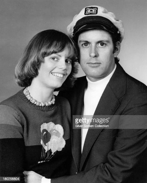 American husband-and-wife pop duo Captain & Tennille, circa 1975. They are Daryl Dragon and Toni Tennille.