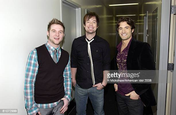 ACCESS*** American Idol Contestant David Cook and Luke Menard pose for a photo with Blake Lewis behind the Scenes before the American Idol Results...