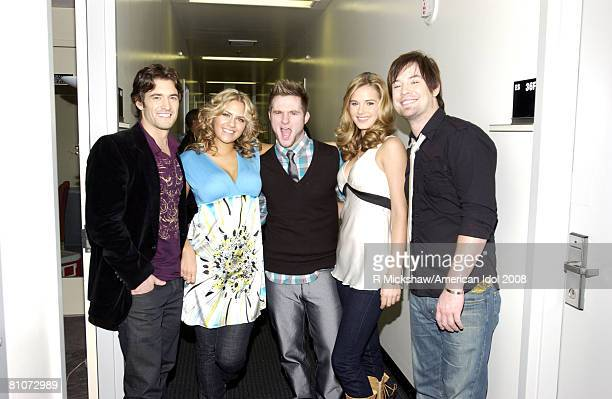ACCESS*** American Idol Contestants Luke Menard Kady Malloy Kristy Lee Cook and David Cook pose for a photo with former Idol contestant Blake lewis...