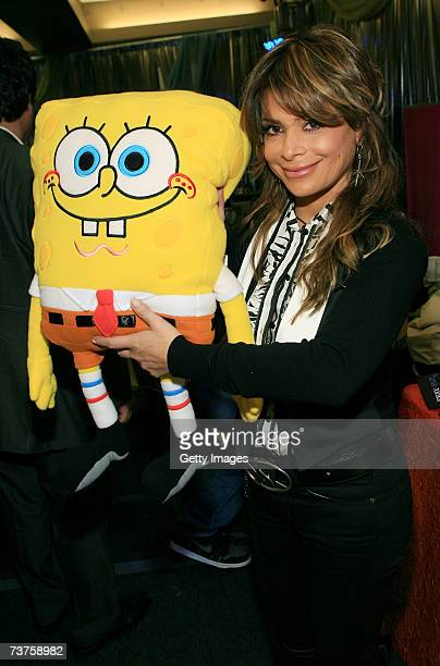 American Idol judge Paula Abdul poses with SpongeBob in the Distinctive Assets gift lounge during the 20th annual Kid's Choice Awards at Pauley...