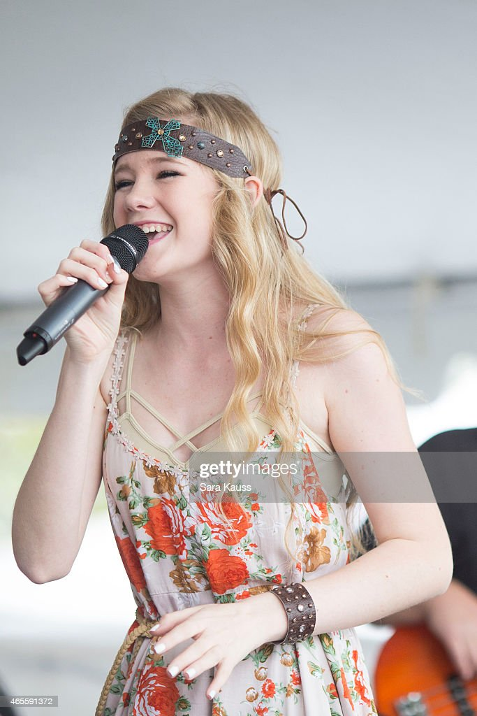 american idol season 14 contestant emily brooke performs onstage news photo getty images. Black Bedroom Furniture Sets. Home Design Ideas