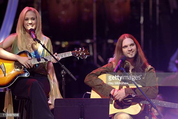 American Idol Season 4 Top 7 Finalists Carrie Underwood from Checotah Oklahoma and Bo Bice from Helena Alabama