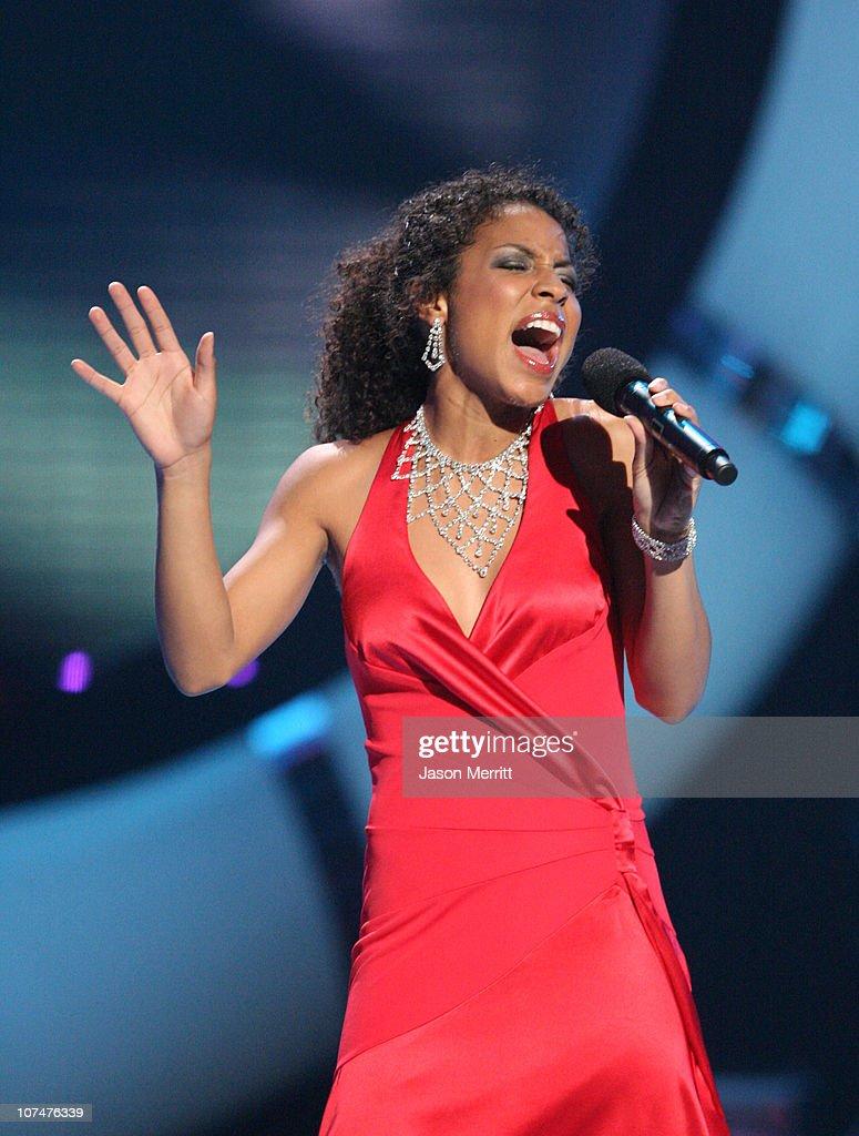 pics Lisa Tucker (singer)