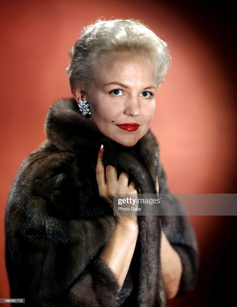 American jazz and pop singer and songwriter, Peggy Lee (1920 - 2002),1957.