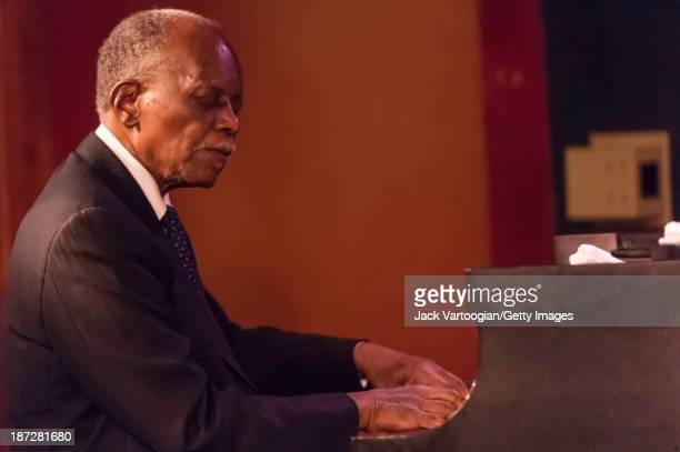 American Jazz composer bandleader and musician Hank Jones plays piano as he performs in 'The Jazz Masters Salute the Broadway Masters' at the Iridium...
