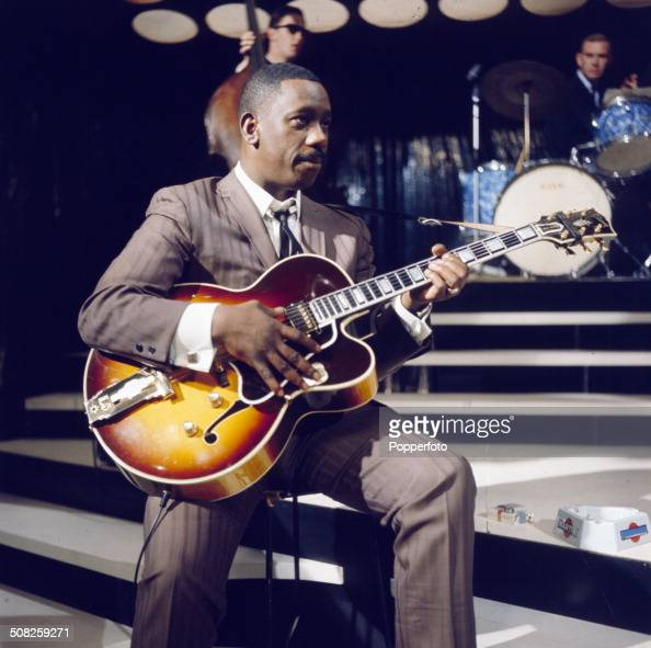 american jazz guitarist wes montgomery performs with a gibson l 5 news photo getty images. Black Bedroom Furniture Sets. Home Design Ideas
