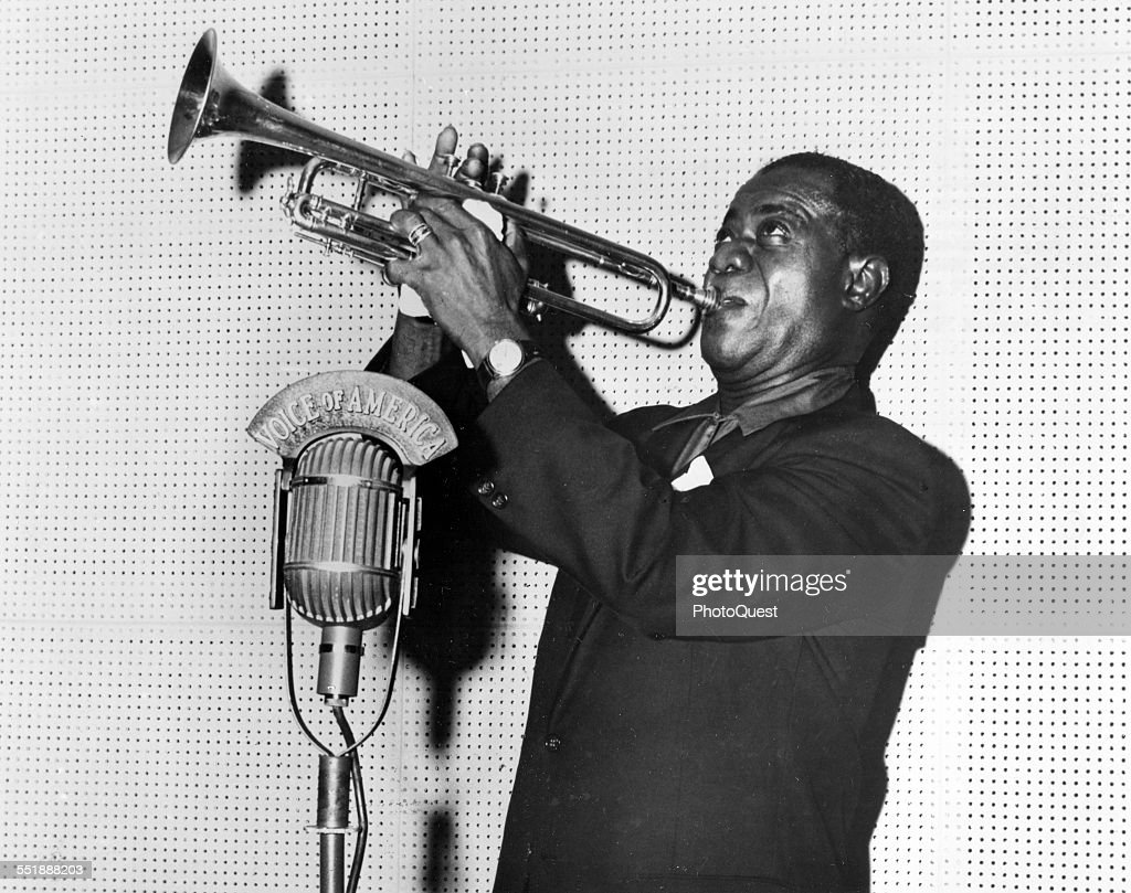 Louis Armstrong On Radio : News Photo