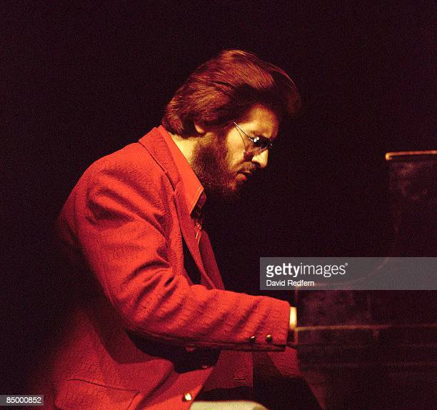 HALL Photo of Bill EVANS and Bill EVANS performing live onstage