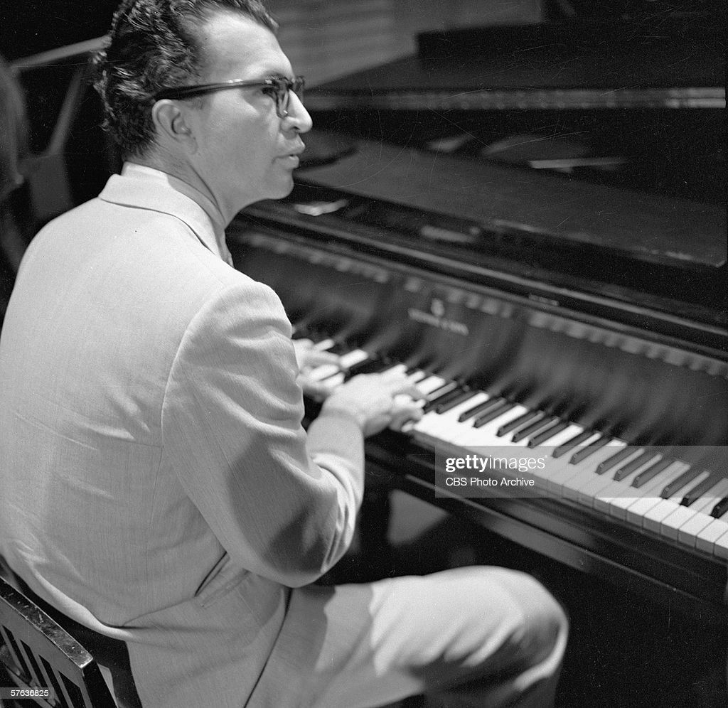 Dave Brubeck Performs On 'The Ed Sullivan Show' : News Photo