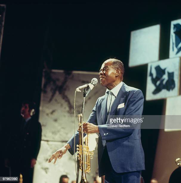American jazz trumpeter and singer Louis Armstrong performs on stage in November 1970