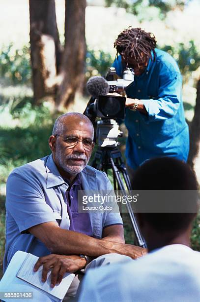 American journalist Ed Bradley of the news show 60 Minutes interviewing HIV victim Brenda Nyamhunga at the Gweru Women's AIDS Prevention Association...
