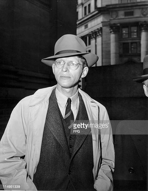 American journalist Frederick Heizer Wright copy editor of the New York Daily News arriving at a Federal court to answer charges of being a paid...