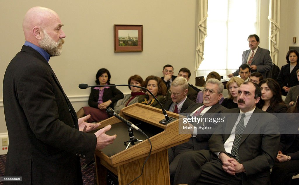 American journalist Thomas Goltz, who witnessed the last days of Khojaly spoke and answered questions at a meeting held in the Cannon Building by the Azerbaijan Society of America on Thursday. Goltz wrote about the Armenian forces rampage and massacre hundreds of Khojaly residents in 'The Azerbaijan Diary.'