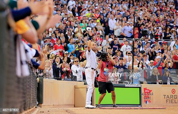 American League AllStar Derek Jeter of the New York Yankees acknowledges the crowd after being pulled in the fourth inning during the 85th MLB...