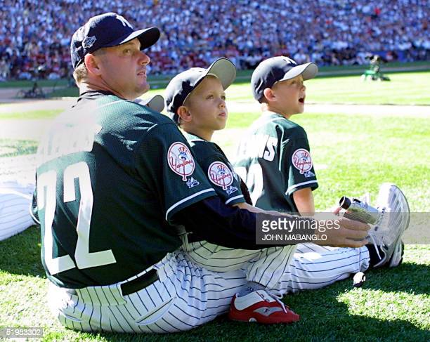 American League All-Star starting pitcher Rodger Clemens watches the 2001 Home Run Derby with his two sons at Safeco Field 09 July, 2001 in Seattle,...