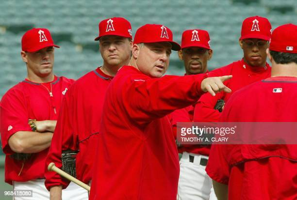 American League Champion Anaheim Angels manager Mike Scioscia talks to pitchers during practice at Edison Field 17 October 2002 The Anaheim Angels...