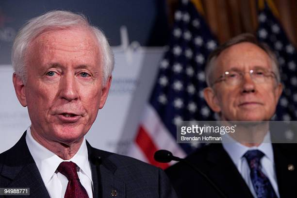 American Medical Association presidentelect Cecil B Wilson and Senate Majority Leader Harry Reid speak at a news conference on health insurance...
