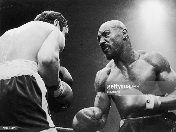 American middleweight boxer Marvin Hagler during his fight with Alan Minter which was stopped in the third round due to Minter's injuries 27th...
