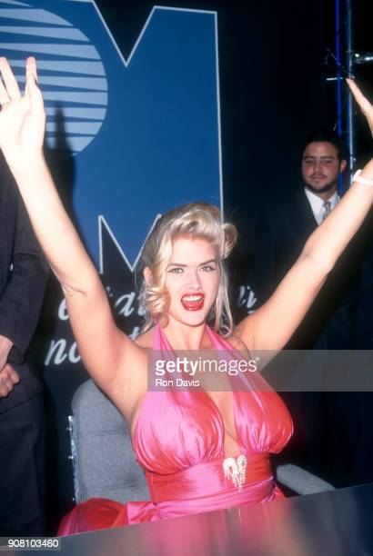 American model and actress Anna Nicole Smith attends the VSDA Video Software Convention on May 23 1995 in Dallas Texas
