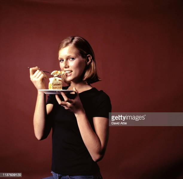American model and actress Patti Hansen poses for a portrait in 1976 at the photograher's studio in New York City New York