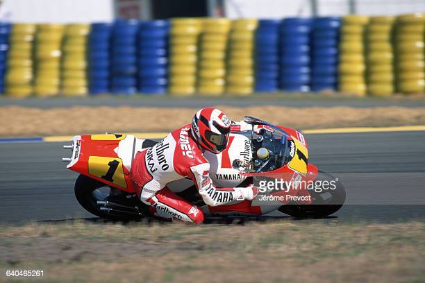 American motorcycle racer Wayne Rainey competes in the 500cc Le Mans Grand Prix