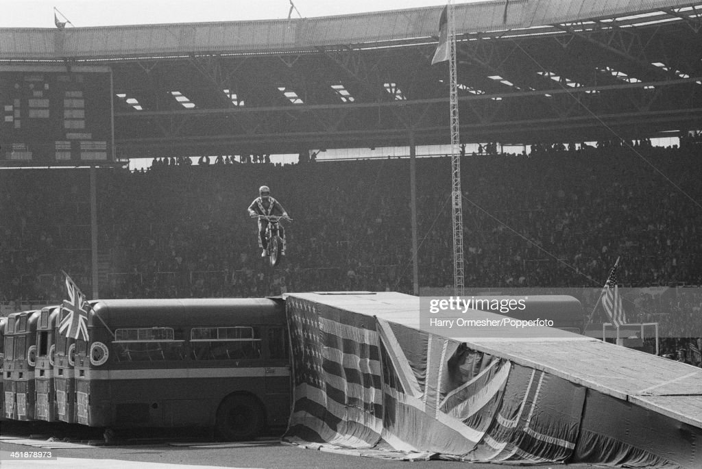 Knievel's Wembley Jump : News Photo