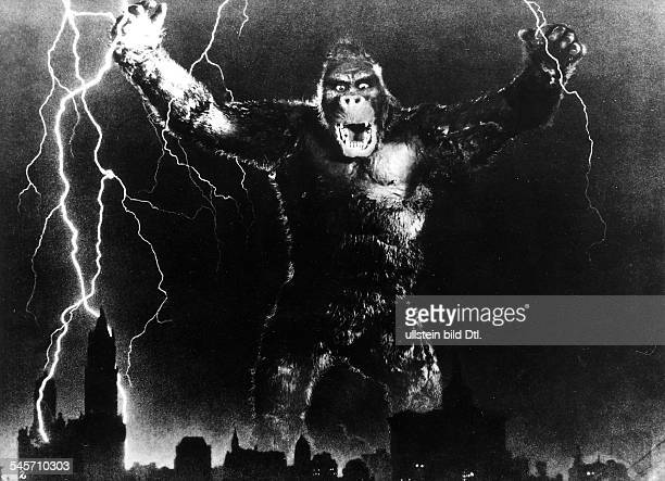 American movies of the 1930ies Scene from the movie 'King Kong'' Directed by Merian C Cooper Ernest B Schoedsack USA 1933 Produced by RKO Pictures...