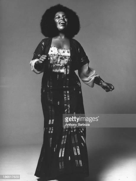 American musician and singer Roberta Flack sings New York New York 1971