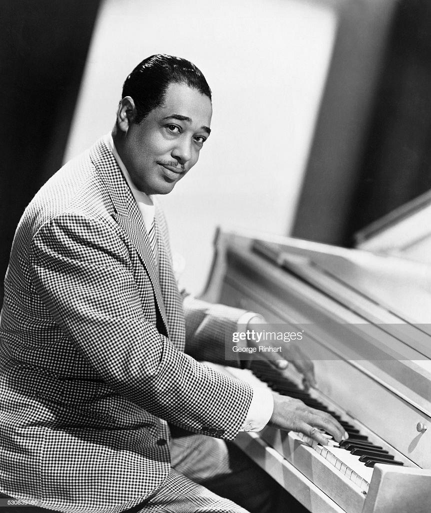 Duke Ellington Playing Piano : News Photo