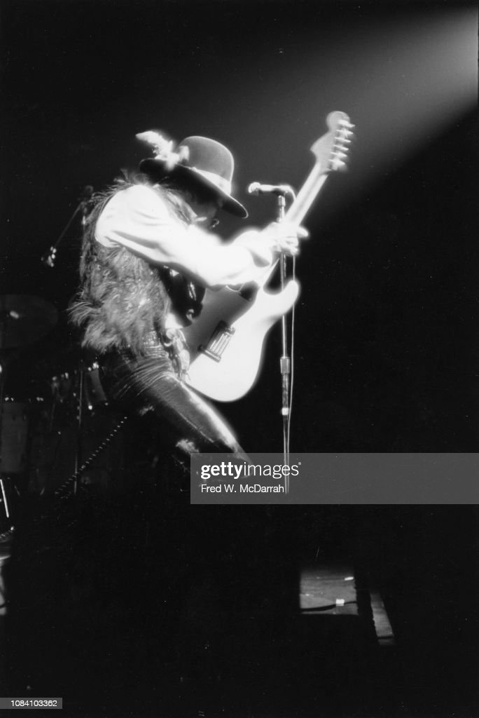 Jimi Hendrix At The Fillmore East : News Photo