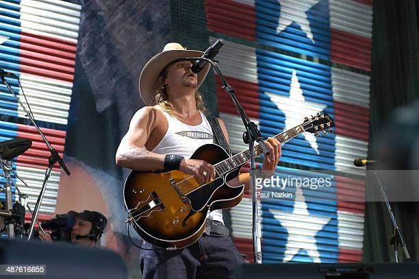 American musician Kid Rock performs onstage at the PostGazette Pavilion during the Farm Aid benefit concert Pittsburgh Pennsylvania September 21 2002