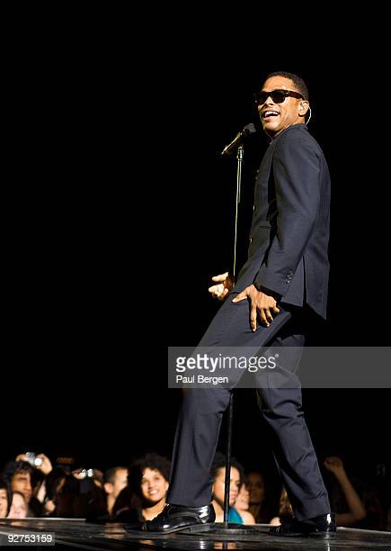 American neosoul singer Maxwell performs on stage at the Heineken Music Hall on November 4 2009 in Amsterdam Netherlands