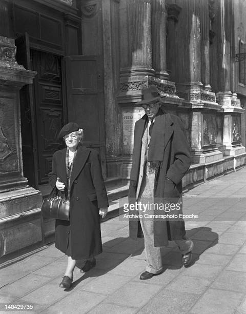 American novelist Lewis Sinclair having a walk in Venice with Mrs Katherine Powers 1949
