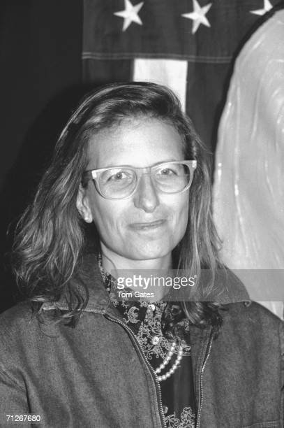 American photographer Annie Leibovitz smiles as she appears at the 'Art AID' auction held at the Hard Rock Cafe New York New York March 1986...
