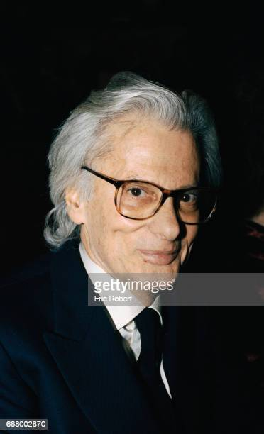 American photographer Richard Avedon attends the premiere of the operas Oedipus Rex by Igor Stravinsky and Jean Cocteau and Persephone by Igor...
