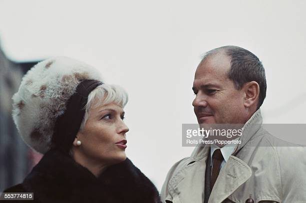 American physician Dr Sam Sheppard pictured with his second wife Ariane Tebbenjohanns outside Cuyahoga County Criminal Court in Cleveland Ohio in...
