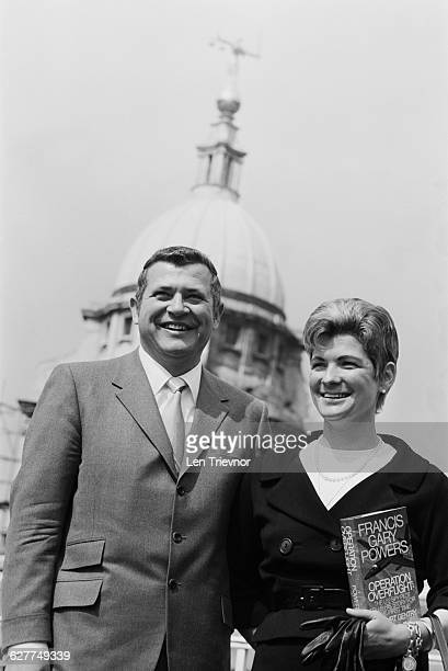 American pilot Francis Gary Powers aka Gary Powers and his wife in London to launch his book 'Operation Overflight' April 1971 His CIA spy plane was...