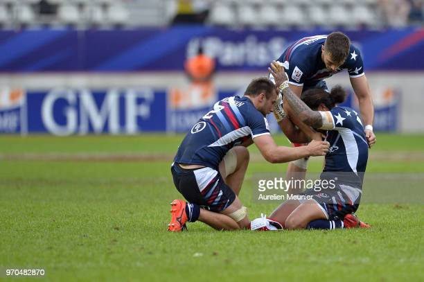 American players react after winning the match between England and the United States Of America at the HSBC Paris Sevens stage of the Rugby Sevens...