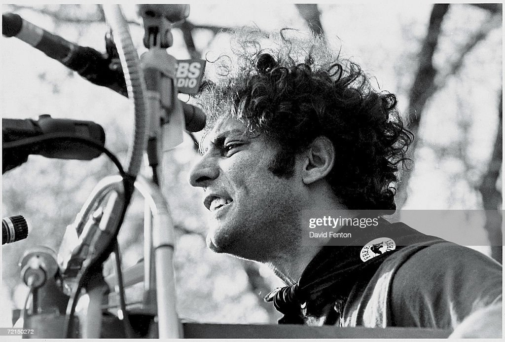 Abbie Hoffman Speaks At Black Panther Rally : Photo d'actualité