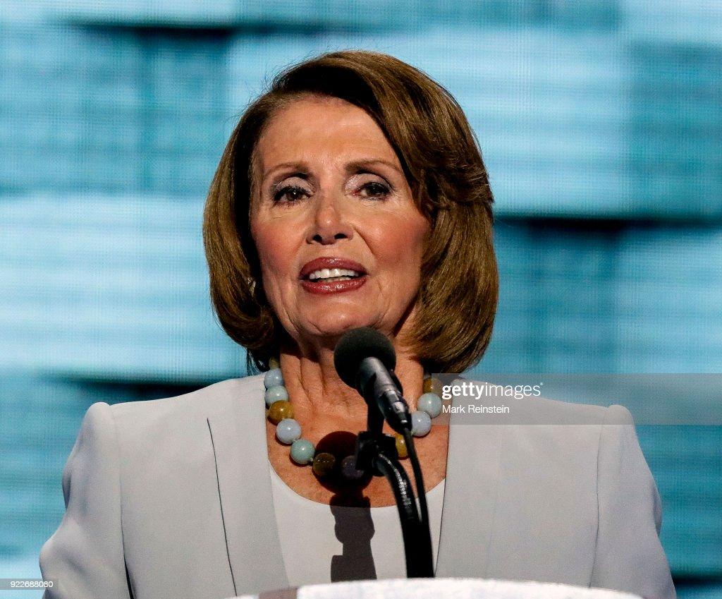 Nancy Pelosi At The DNC : Foto di attualità