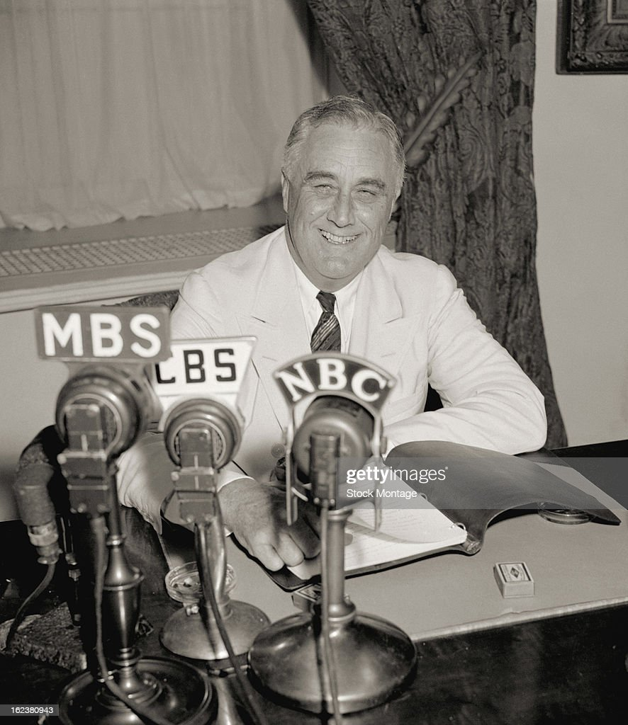 FDR Delivers A Fireside Chat : News Photo